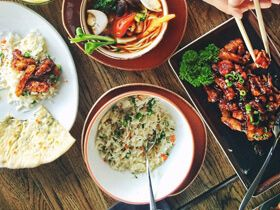 nourriture de restaurant serverette