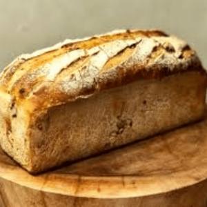 pain de farine Bise bio fait à l'auberge-boulangerie de Saint Jean à Serverette