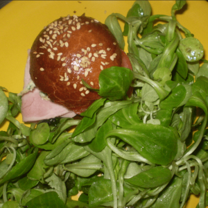 Briochette garnie à l'Auberge-Boulangerie de Saint Jean à Serverette